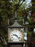 Links oben ist der schwache Rauch der «Gastown Steam Clock» ersichtlich