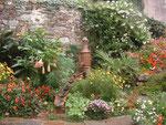 Blick in den Einfamilienhaus-Vorgarten am Golf von Morbihan