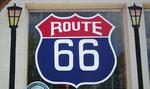 Auch der weltberühmten Route 66 statten wir einen Besuch ab,
