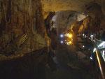 Verbotene Aufnahme im Grotteninneren
