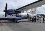 Mit einer lauten Propeller-Maschine der Blue Islands gehts von Zürich los