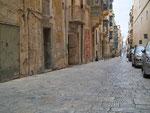 Fussgängerzone mit den schönen Steinwegen (High heels sind nicht empfohlen)
