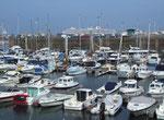 Der Jachthafen bietet rund 1500 Ankerplätze für kleine und grosse Jachten