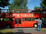 oder mit den gemütlichen Doppeldecker-Cabrio-Bussen