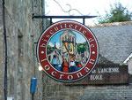 Künstlerisches Firmenschild der Biscuiterie de Locronan . . .