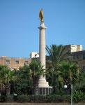 Säulen, Statuen und Denkmäler . . .