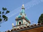 Die weitherum sichtbare Kuppel der Kirche von Valldemossa . . .