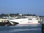 Die riesigen und superschnellen Katamaran-Fähren
