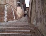 Und nochmals Treppen («immer wenn man sie braucht gehts aufwärts»)