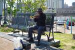 Typisches Bild für New Orleans: Ein mit sich und seiner Musik «verträumter» Schwarzer