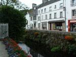 Pont-Aven bepflanzt auch den Dorfbach