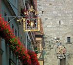 Firmenschild für Apotheke und Hotel zum Löwen