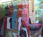Orientalische Mode in seiner ganzen Farbenvielfalt