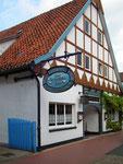 Das Haus der traditionsreichen Aalräucherei . . .