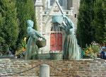 . . . und dem hübschen Waschfrauen-Brunnen