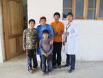 zu Besuch in der Familie von Soledad (rechts)