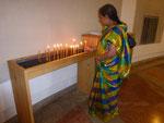 Kerzen zur Erinnerung an Evelin