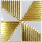 37.1 Poliment vergoldete Dreiecksleisten auf weiß-grau poliertem Hintergrund 60x60 cm  2020