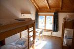 Vierbettzimmer mit Etagendusche