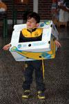 Mit den Kartons kann man auch was anders machen, als Wäsche hinein zu tun!