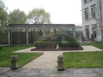 Innenhof der Botschaft.