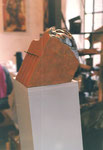 Stele mit Gesicht  (Keramik bemalt) verkauft/sold