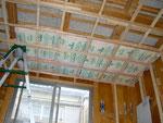 次、天井。断熱材もバッチリ充填120%