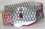 """15x29x28  """"Nicole"""" porcelaine-métal-cordage-scoubidous-peinture-vernis-pampille 2012"""