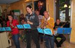 Reinhard spielt mit einer kleinen Abordnung der Fanfare von Böwingen