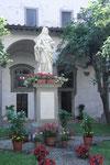 La statua di S. Maddalena nel chiostro di S. Frediano