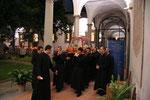 La processione col corpo di S. Maddalena nel chiostro di S. Frediano