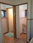 脱衣所・シャワールーム(男性用2部屋あります)