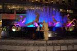 La Fontaine de Poséidon le soir avec les jets d'eau - Macao