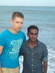 Tobias am Strand von Colombo ( Juli 2010 )