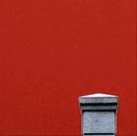 Un elemento geometrico, un dettaglio che si perde nel rosso, il colore che più amo