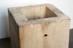 Kiste 18 - Frau auf Treppe, Pappelholz, Farbe, Türspion - 2013