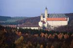 Blick von Hochstatt zur Abtei Neresheim