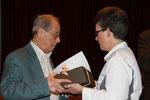 Martin Greubel wird für 50 Jahre singen im Chor geehrt
