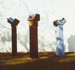 Raumstelen I-III, Holz bemalt, 1971