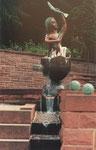 """Brunnen """"Kinderquelle – Eisprung"""", Neuenbürg, 1991"""