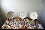 Restes, assiettes émaillées, (projet soutenu par la Drac Lorraine) + badges