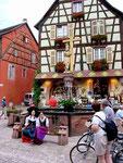 Kaysersberg: Geburtsort Albert Schweitzers und eines der Zentren des elsässischen Weinbaus und Tourismus.