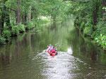 ... von Kanälen durchzogen, in denen das Wasser der Spree fließt.