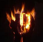 Besonders schön ist es am Abend, wenn die Schwedenfeuer Licht und Wärme geben ...