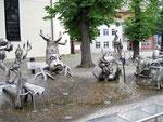 Groteske Brunnengruppe in Lehde.