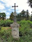 Kreuz vor dem Steinbruch