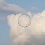 Fantasie & Wirklichkeit Fotografien und Gedichte Kathrin Steiger Seifenblasen