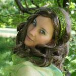 Fantasie und Wirklichkeit Fotografien und Gedichte Kathrin Steiger Frau mit Haarreif  Prinzessin ? märchenhaft verträumt fantasievolle bunte farbenfrohe Welt  Phantasie Fantasy