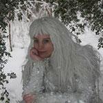 Fantasie & Wirklichkeit Fotografien und Gedichte Kathrin Steiger Winter Wald Märchenwald Schnee Schneefee  Fee Elfe Schneeprinzessin Schneekönigin
