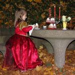 Fantasie und Wirklichkeit Fotografien und Gedichte Kathrin Steiger Prinzessin Kerzenschein märchenhaft verträumt zauberhaft romantisch  fantasievolle bunte Welt Phantasie Fantasy